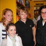 Da época que a Arya tinha nome, a Sansa tinha virgindade, o Theon tinha rola e o Jon não tinha barba https://t.co/wYzUvxi21F