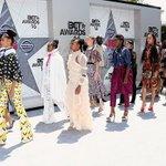 Beyoncés dancers in #Formation at the #BETAwards ???? https://t.co/d9nP5MxPv3