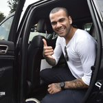 Sunday evening saw this man touch down in Turin. Pleased to be with us, @DaniAlvesD2? 👍 ⚫⚪ https://t.co/qPh5NDfMsy