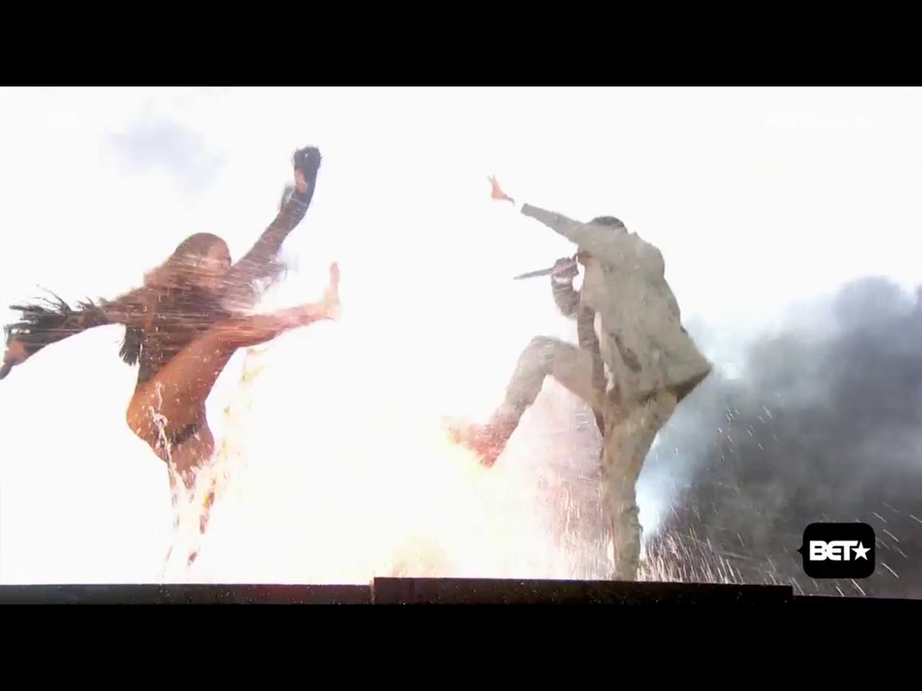 Beyonce and Kendrick being purified in the waters of lake minnetonka. #Betawards https://t.co/QDQCAut9YM
