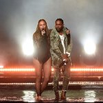 Watch Beyoncé and Kendrick Lamar open #BETAwards with an epic performance of #Freedom https://t.co/hiJvyUS9fh ✊???? https://t.co/9r2iaF2iqG