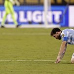 Lionel Messi renuncia a la selección argentina tras fallar un importante tiro de penal. https://t.co/AziZvQfbNj https://t.co/lBypfNg5av