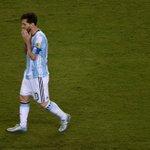 Lionel #Messi a annoncé sa retraite internationale suite à la défaite de lArgentine face au Chili en #CopaAmerica ! https://t.co/spA71X8f4N