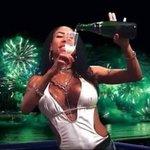 """""""acho que já ganhamos tantos prêmios do público por causa dos fãs brasileiros!"""" - Dinah #FifthHarmonyNoFantastico https://t.co/6XDiulIlAY"""