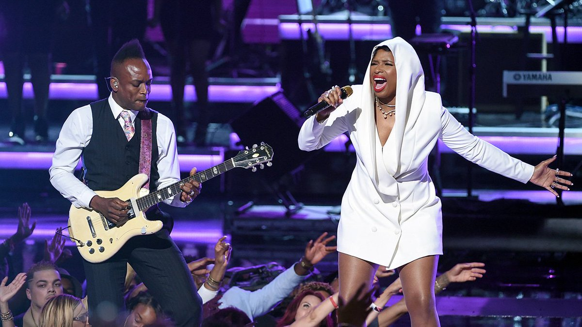 Watch Jennifer Hudson, Stevie Wonder and More Pay Tribute to Prince at