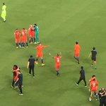 ¡Celebración más que merecida tras los intensos 120 minutos y la tanda de penaltis, @kingarturo23! ???? #CopaAmerica https://t.co/D792u5JkIR
