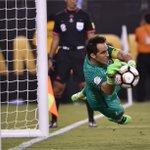 Chile superó a Argentina 4-2 en la tanda de penales y es bicampeón de #CopaAmerica #ARGvCHI #Copa100 https://t.co/Rfv5Z05bve