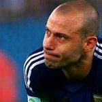 Otro día de sufrimiento para Mascherano:  ✗ Copa América 2004, 2007, 2015 y 2016. ✗ Mundial 2014.  No lo merece. https://t.co/7qevrtlNNr