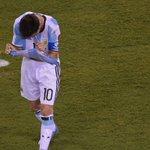 VIDEO: Así falló el penal Lionel Messi https://t.co/6qEDJvP2Uh https://t.co/WKuRw7qMcO