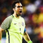Copa América 2016:   ✓ Guante de Oro: Claudio Bravo. ✓ Bota de Oro: Eduardo Vargas. ✓ Balón de Oro: Alexis Sánchez. https://t.co/4cyL6nDxU9