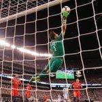 El momento de la final de la Copa América Centenario. TREMENDO CLAUDIO BRAVO. https://t.co/seKfje61oP