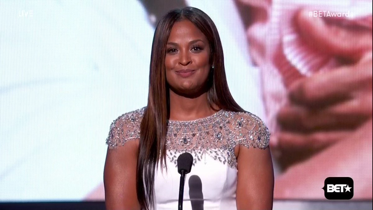 Laila Ali and Jamie Foxx get emotional remembering Muhammad Ali at the 2016 BETAwards: