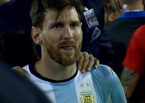 A mí no me importa si ganas una Copa o erras un penal. Nada iguala los momentos que me haces disfrutar!!Genio único https://t.co/G7T51GAyjF