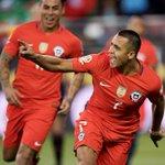Alexis Sánchez fue elegido como mejor jugador de la Copa Centenario https://t.co/VIJkh5HKLF https://t.co/2q3l0hSIaV