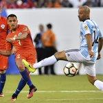 """A. Sánchez festeja el bicampeonato de América: """"Cambiamos la historia del fútbol chileno"""" https://t.co/SaHHyF8oCO https://t.co/H152QnZU5y"""
