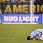 Levanta pronto, tenés que seguir brindándole alegrías al mundo del fútbol. Nunca te voy a abandonar, Lionel. NUNCA. https://t.co/GWLO6Z4LV5