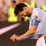 """Messi renunció a la selección argentina tras perder la final: """"No es para mí"""" https://t.co/r7mFtDJ06c https://t.co/OBmVd0xVbm"""