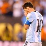 ¡URGENTE! Messi renuncia a @Argentina. https://t.co/GPelfAjZVJ https://t.co/wfk9GlWMbo