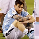 BREAKING: Lionel Messi says hell retire from Argentina international team following loss to Chile in Copa América. https://t.co/11dgdztmv8