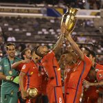 Viendo este tipo de imágenes solo podemos decirte una cosa, @kingarturo23: ¡Enhorabuena, campeón! ???? #CopaAmerica https://t.co/V1P2IcimT0