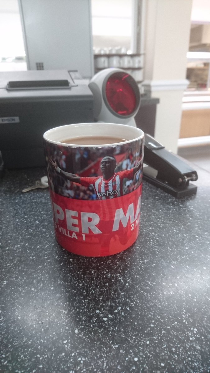 Cup for sale, bought for £10 but looking to sell for £34 #SaintsFC https://t.co/8lWZuuugxH