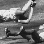 Maradona lo hizo antes que Messi. Renunció la selección argentina en 1990 https://t.co/OOMi8qFFCH #hemeroteca https://t.co/QSzeEZzjbr