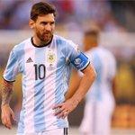 COUP DE TONNERRE ! À seulement 29 ans, Lionel Messi prend sa retraite internationale ! https://t.co/UeVMR3Dn9Z