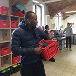 Les joueurs ont tous récupéré leurs affaires, parmi eux @nangislenny qui avait visiblement très froid ! ????#WeAreLOSC https://t.co/21vS21MXeJ