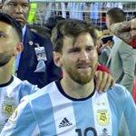"""[#Décla????] Agüero: """"Il est probable que Messi ne sera pas le seul à prendre sa retraite internationale"""" https://t.co/C6msvRV3zg"""
