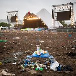 The muddiest Glastonbury Festival EVER. All woodchip in the south of England is at site! https://t.co/CEi2H1wZ9a https://t.co/pAmvRQI2Pi