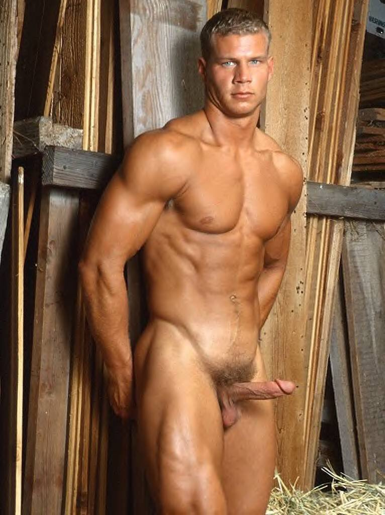 bolshie-muskulistie-golie-parni