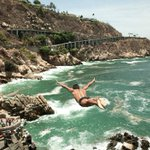 Lánzate al mejor destino de playa de México, visita #Acapulco, te esperamos. https://t.co/2GJ3Pqv3OR https://t.co/fcqE9Frd9J