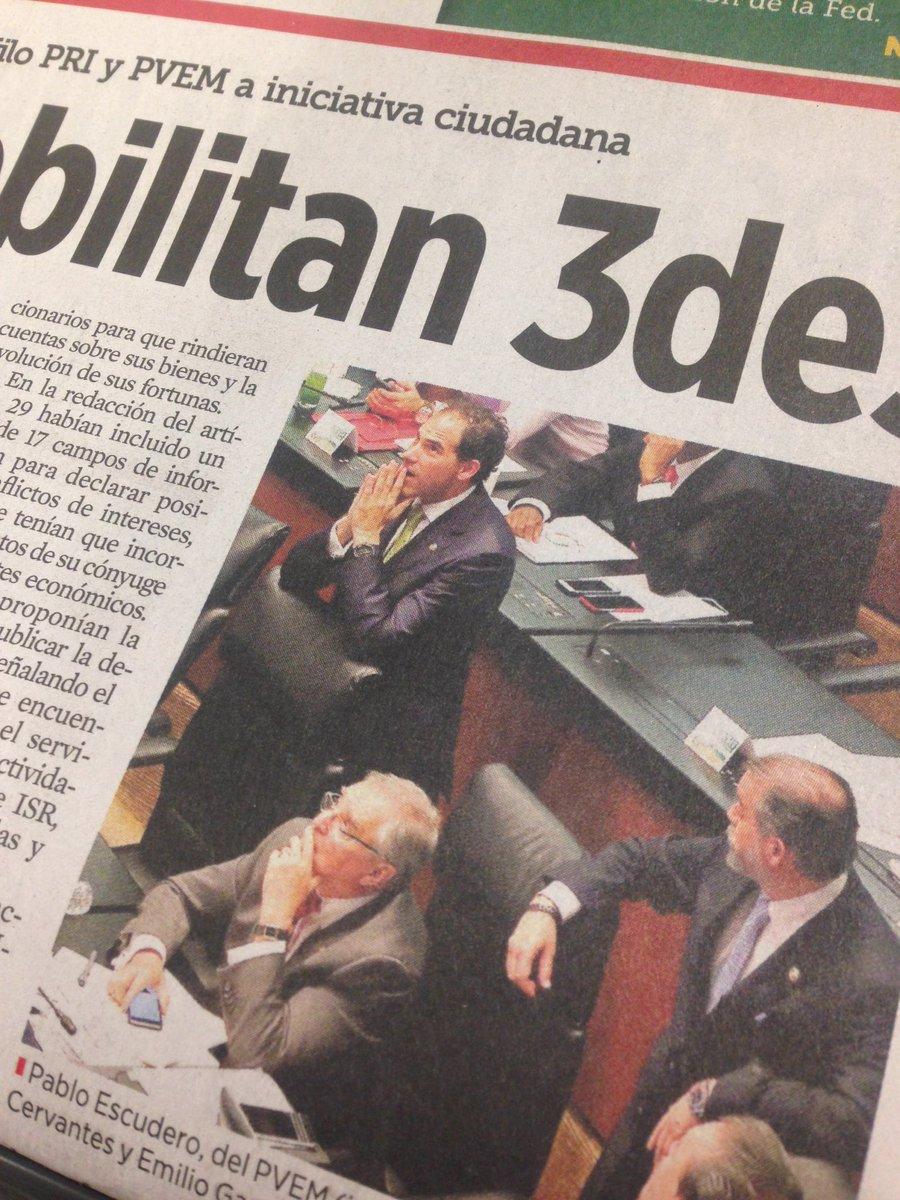 La imagen de Pablo Escudero del PVEM 'rezando' para que pasara el rechazo a la #Ley3de3 es una joya. Terrible. https://t.co/L19kRvHgqk