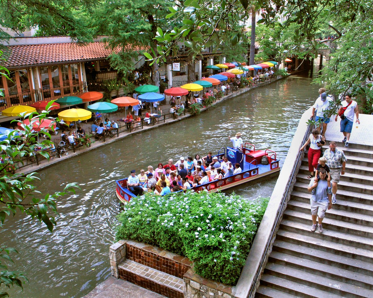 RT @VisitSanAntonio: San Antonio was named one of the most beautiful cities in America & we couldn't agree more! ht…