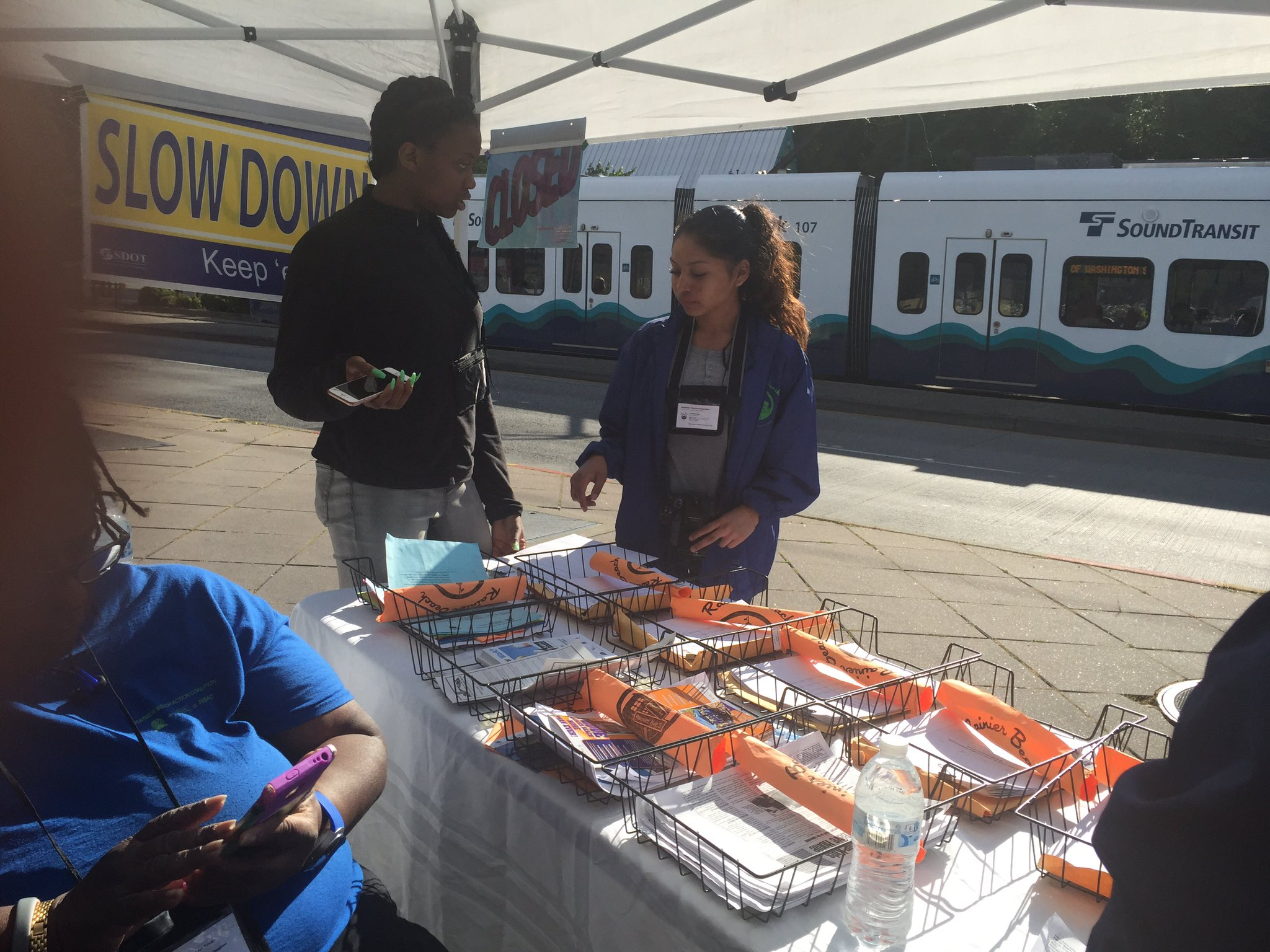 Rainier Beach A Beautiful Safe Place For Youth is at the light rail today https://t.co/efKmEZcth9