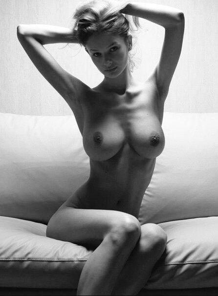 фото идеальной голой девушки