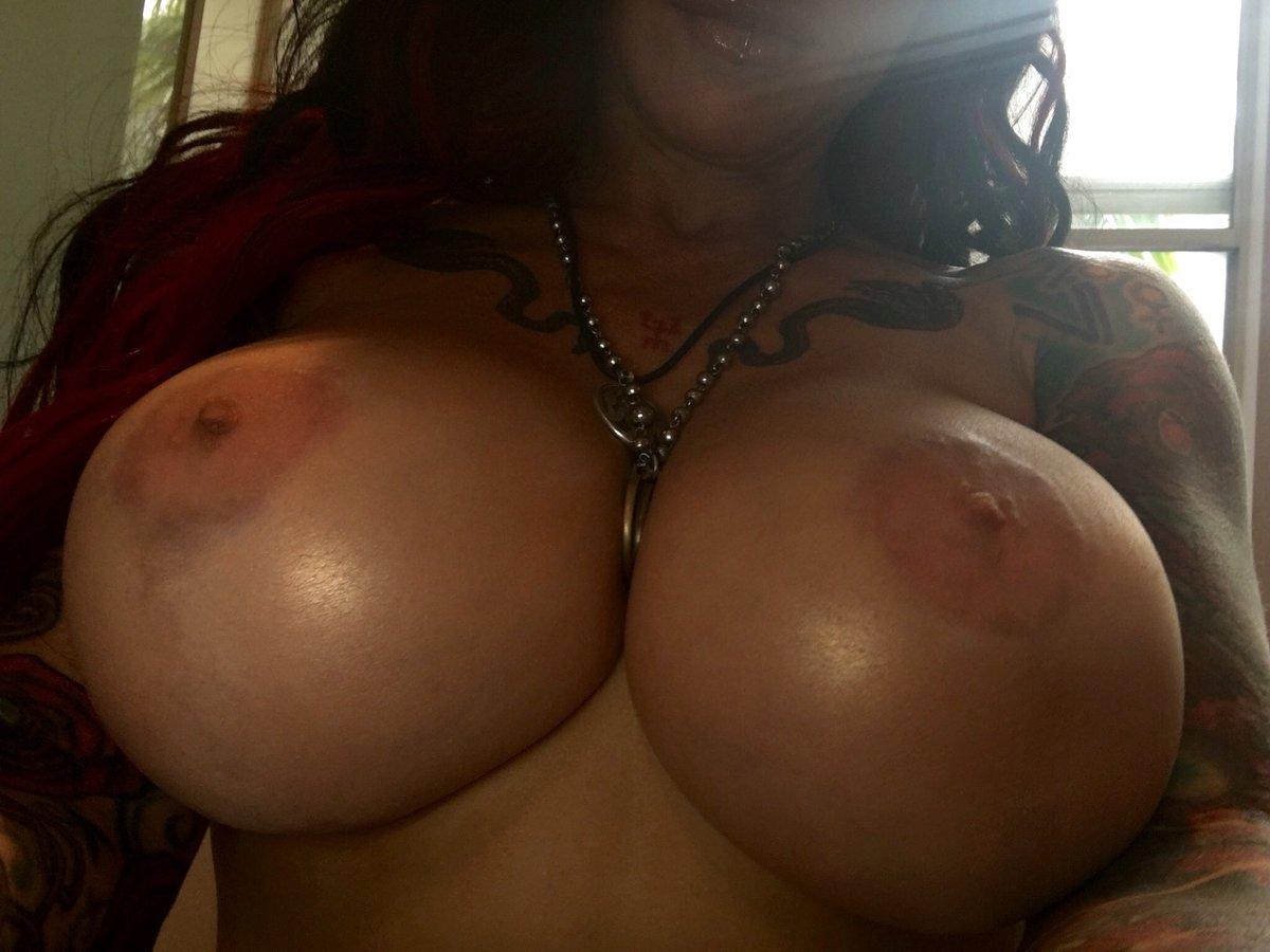 1 pic. Boobs!On set #forked #bigboobs #bigtits #witchcraft #NewZZ #jenevievehexxx