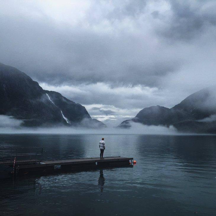 RT @hitRECord: 'jjwells' took this shot in Odda, Norway - https://t.co/F5KIbqSsb5. Stunning! https://t.co/Sa7KXFS4ul