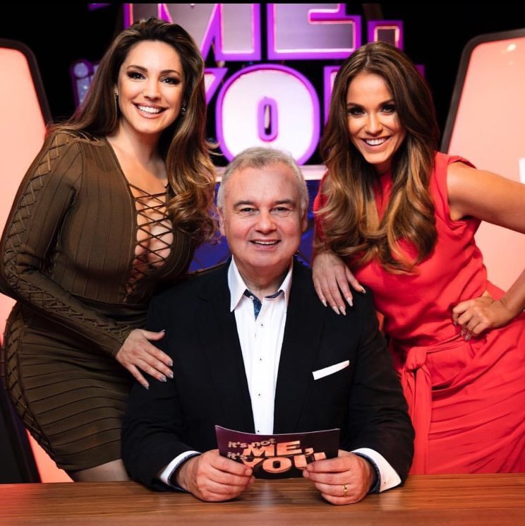 RT @fergu78: Really excited for This new show next week @VickyPattison @IAMKELLYBROOK @EamonnHolmes #INMIY https://t.co/z0W8C7TR2e