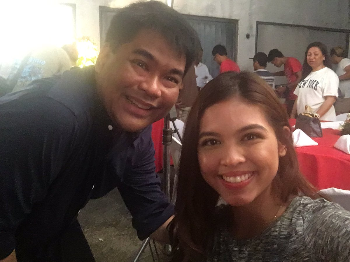 Selfie with @mainedcm #Aldub11thMonthsary https://t.co/ChXge9uEt6