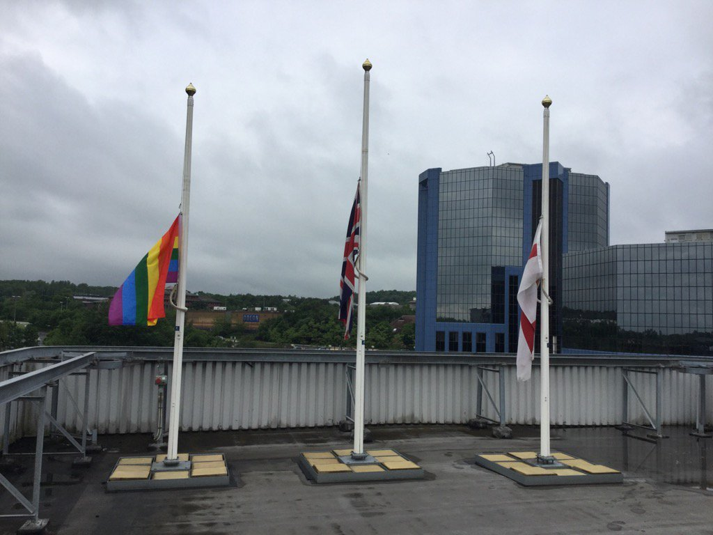 Our flags lowered in memory of and as a mark of respect  to Jo Cox MP. Our thoughts are with her family. https://t.co/cUprLyqUEo