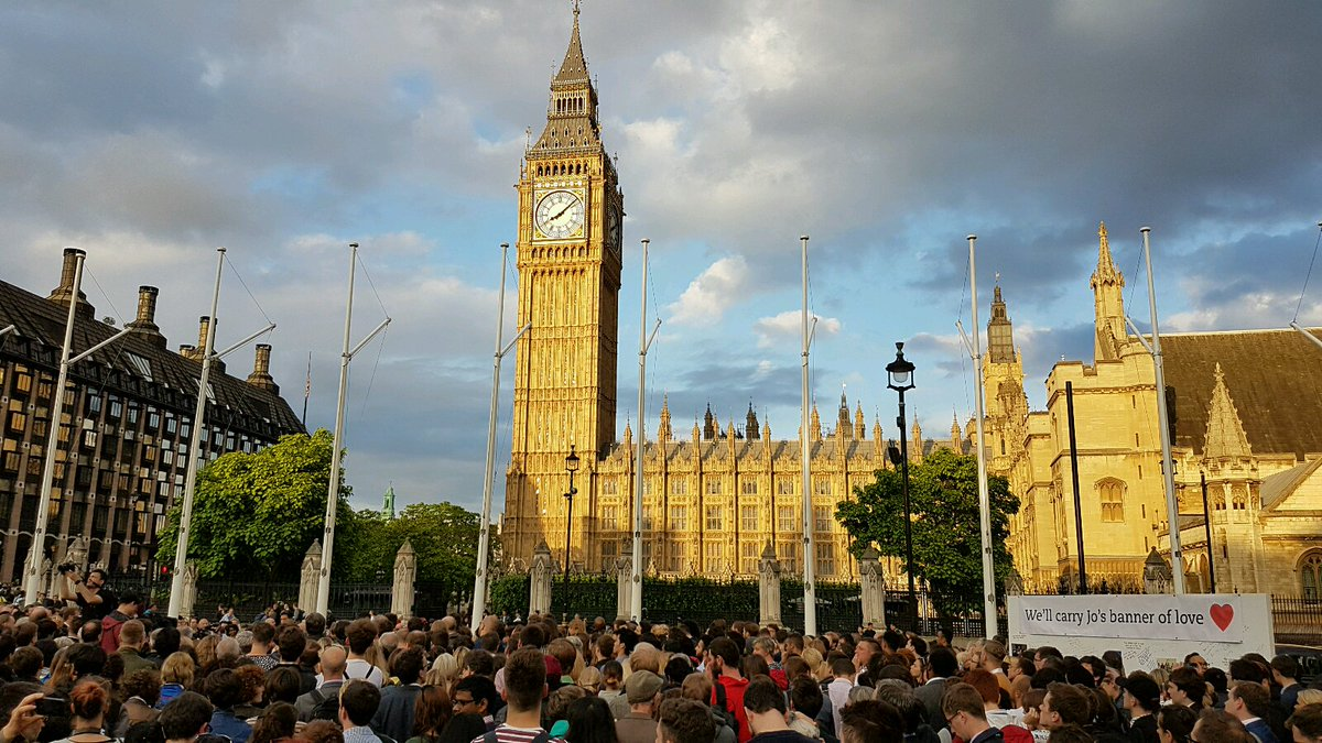 A few more photos from the Parliament Square vigil for Jo Cox this evening https://t.co/ou6MG8i7rI