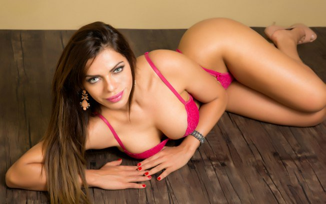 RT @VivaNicaragua13: #Espectáculos13 Suzy Cortéz, Miss BumBum 2015, enciende las redes con estas fotos sexys ->  https://t.co/QIy2TBaP9K ht…