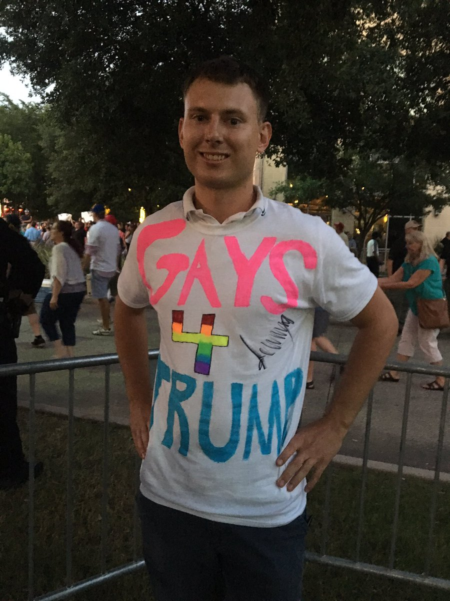 Jacob Mingear, 22, said Trump asked him to stand & show off his shirt during rally; Trump signed it after #trumpintx https://t.co/cRl6DYr7Jm