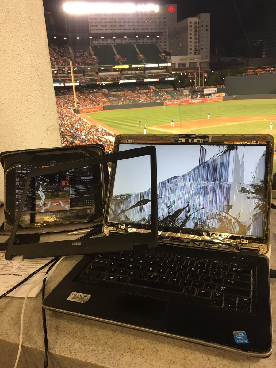 Looks like I'm not filing tonight. My laptop is dead after a Pedro Alvarez foul ball killed it. #Orioles #BlueJays https://t.co/wVsM7GM7GD