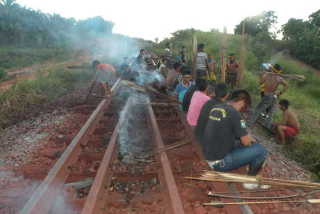 RT @AmazonWatch: Amazon tribe blockade railroad in protest against Brazilian mining giant https://t.co/m8i0Bf21jM https://t.co/w5g9rMZquu