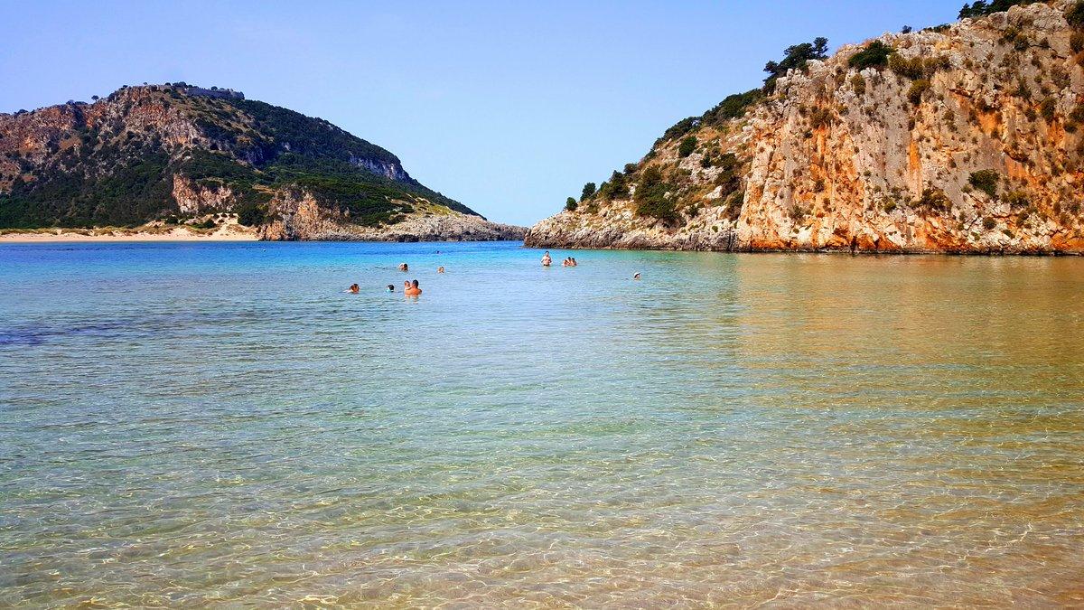 Voidokilia Beach è considerata una delle 10 spiagge più belle al mondo per la sua particolare forma. La conoscete? https://t.co/rtng5KJlYE