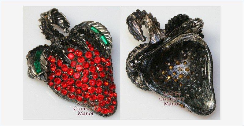 #Summer #Strawberry Pell Brooch #Vintage #Designer #Jewelry #TeamLove #VogueTeam #GotVintage https://t.co/ImsnzrzaQ5 https://t.co/H4NsLftwCf