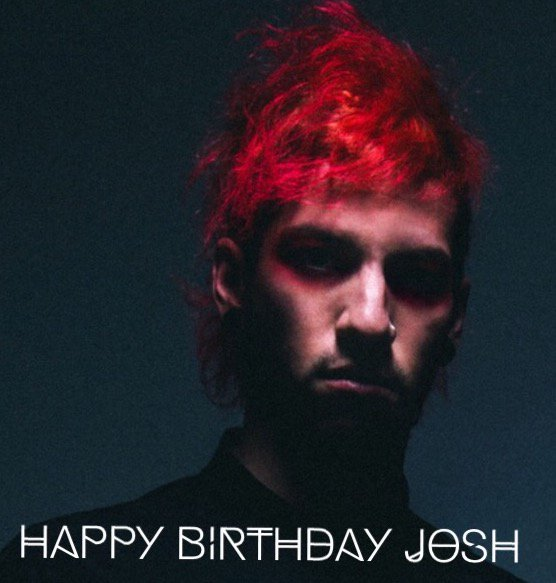We're wishing a very Happy Birthday to @joshuadun from @twentyonepilots! Send him tons of birthday wishes today! https://t.co/uMbTNBscCa