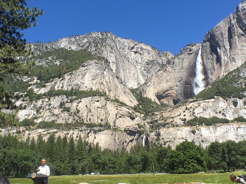 """""""It's a park that captures the wonder of the world. It changes you by being here."""" — @POTUS at Yosemite Nat'l Park https://t.co/m8gXxP0n51"""